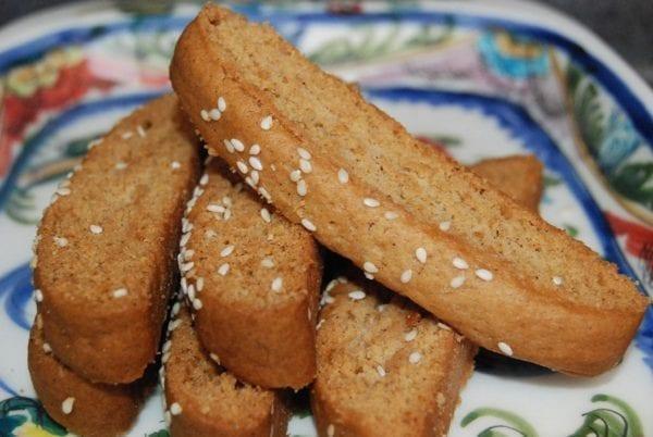 Vegetarian, vegan paximadia biscotti cookies from Glyka Sweets